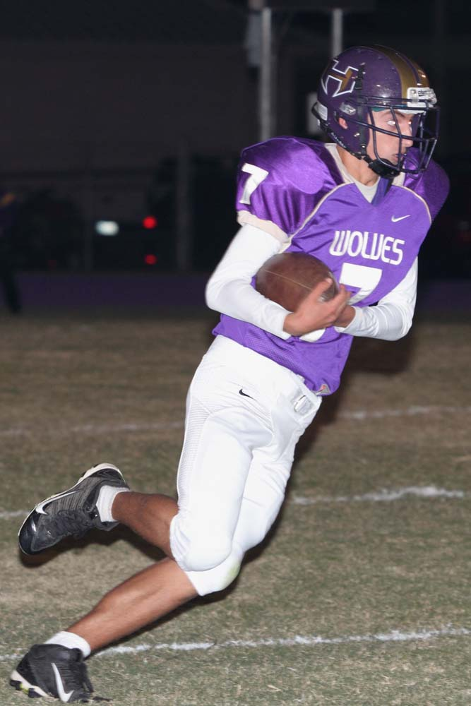 Heavener sophomore Justin Stallings returns a kickoff against Beggs last week.